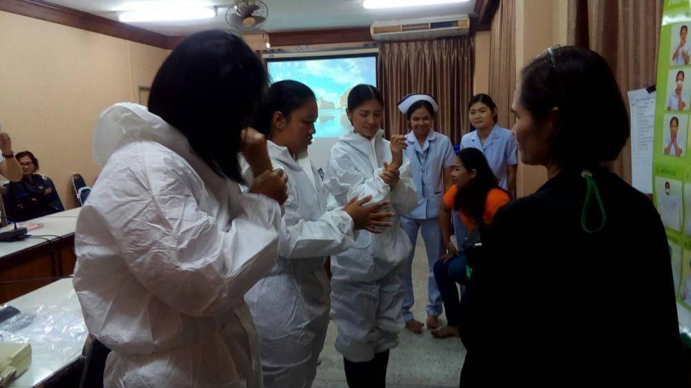 การซ้อมสวมใส่อุปกรณ์ชุด PPE(กร..